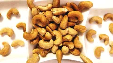 How To Make Roasted Cashews in Microwave